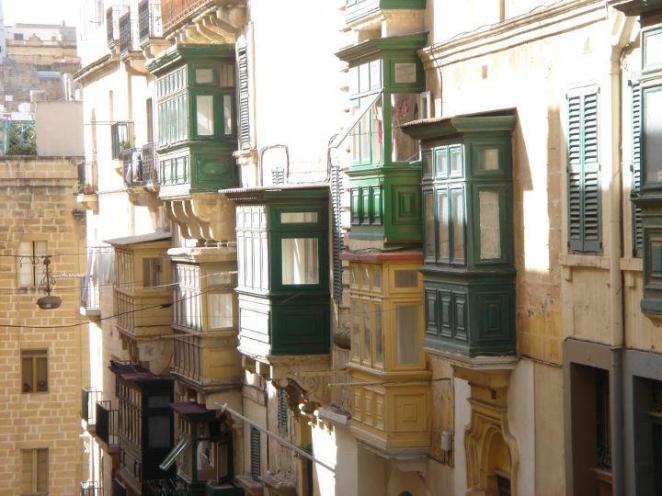 Malta_case