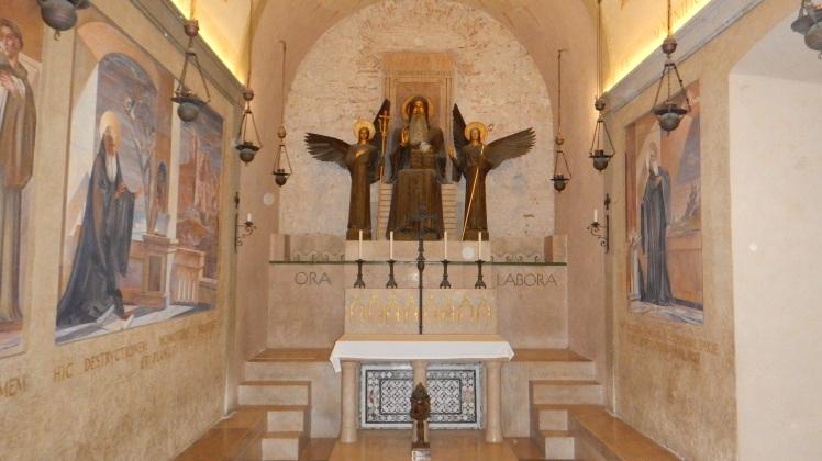 Abbazia_Montecassino_cripta_2