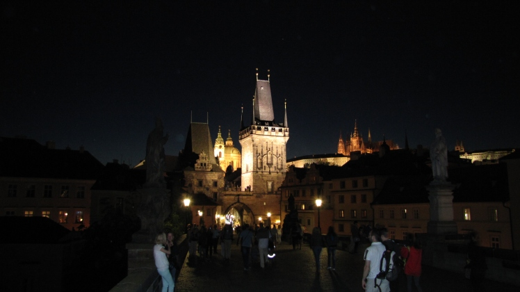 Praga by night