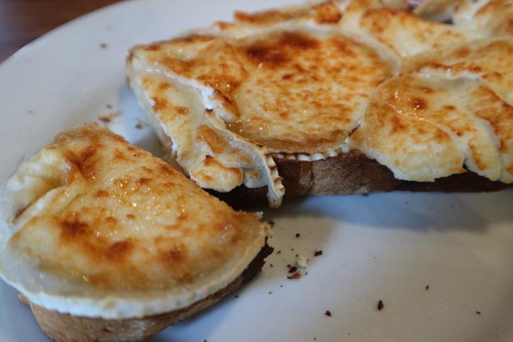 Tartine al formaggio